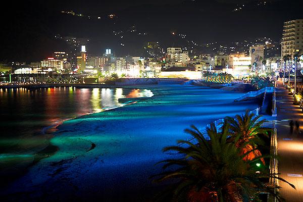 熱海サンビーチ 夜のライトアップ