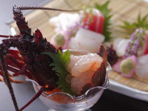 伊勢海老のぷりっぷりっの食感をお楽しみ下さい。