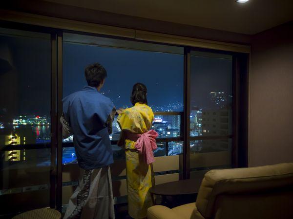 お部屋が特等席。プライベートに花火を楽しむ最高のロケーションをお約束いたします。